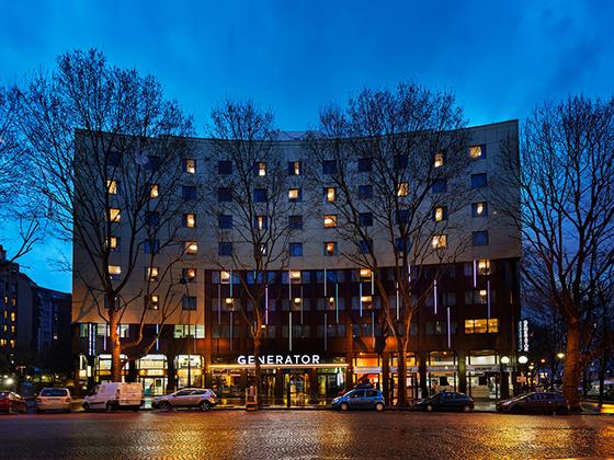 54f4dd45560f0bf2218eb004_generator-hostel-paris-exterior